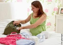 Come preparare la valigia per il parto e per il beb - Lista di cose da portare in ospedale per il parto ...